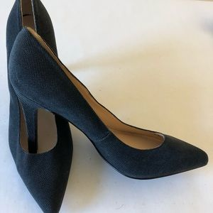 NINE WEST Micro Beaded Pumps EUC